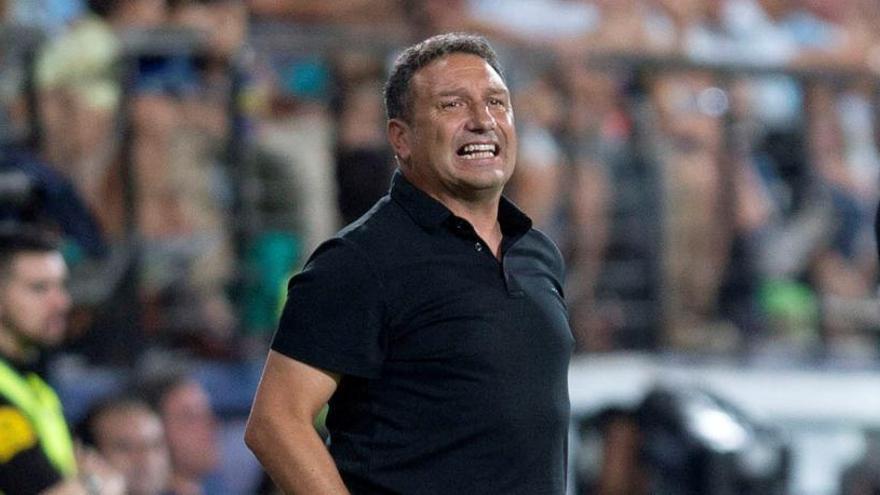 Eusebio Sacristán renuncia al año de contrato y no continuará al frente del Girona