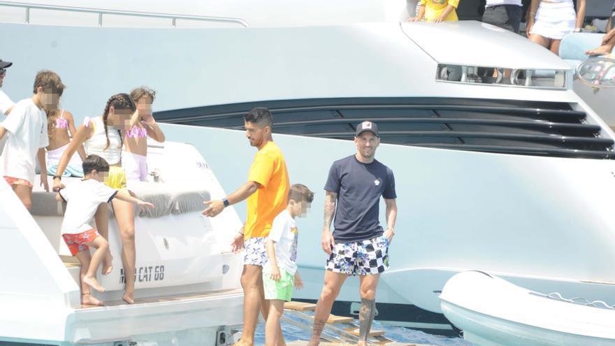 Messi, Suárez y Cesc Fàbregas, juntos en Ibiza