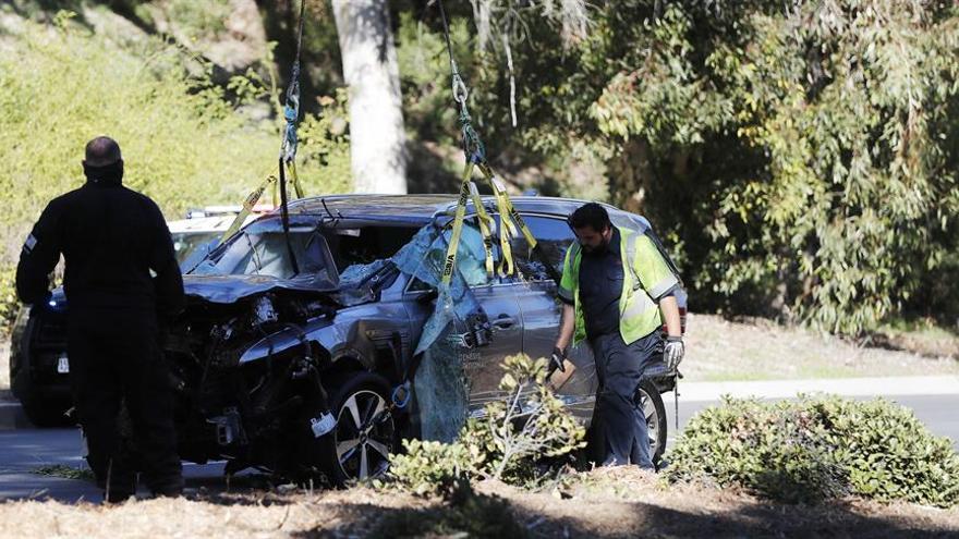 Un testigo dice que Tiger Woods quedó inconsciente tras el accidente