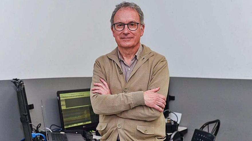 Los Martín Códax dan su premio honorífico al técnico de sonido y productor Pablo Barreiro