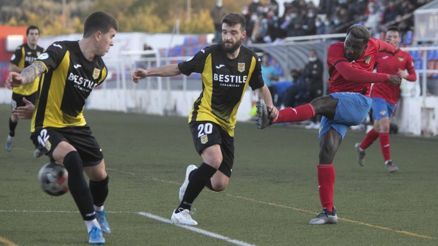 Un gol de penalti en el minuto 95 da el triunfo al Atlético Saguntino