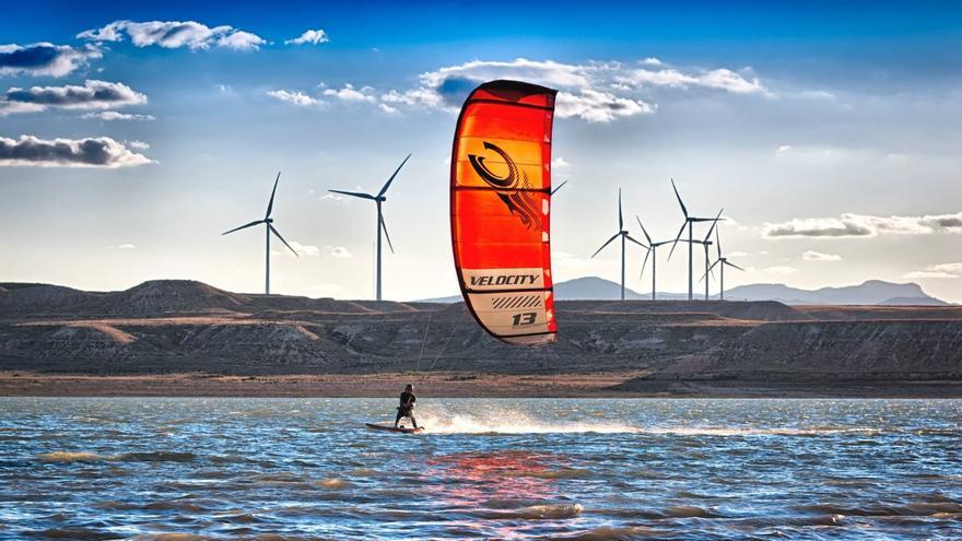 Luceni acoge el mayor evento del kitesurf nacional