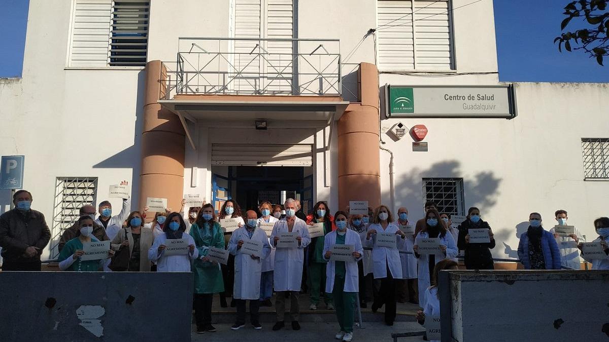 CSIF condena las agresiones a una médico y a un celador del centro de salud Guadalquivir