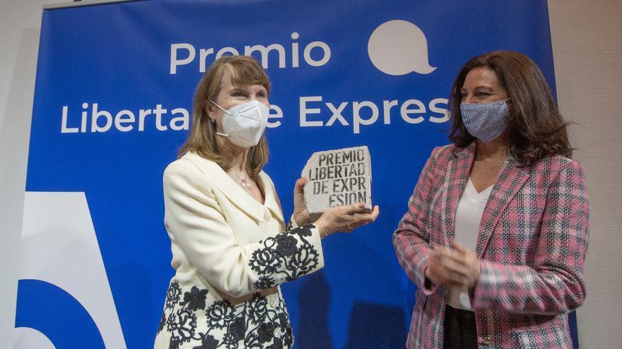 La Asociación de la Prensa de Alicante entrega el IV Premio Libertad de Expresión a Asunción Valdés