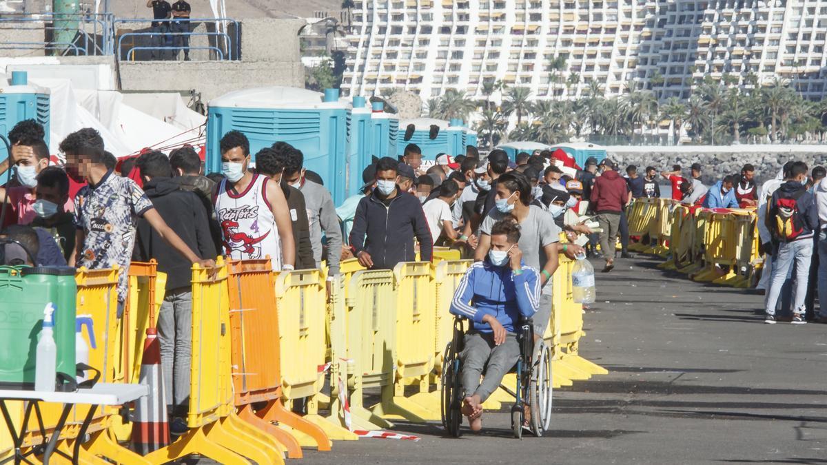 CANARIAS.-La cifra de migrantes en el Muelle de Arguineguín (Gran Canaria) sigue cayendo y se sitúa por debajo de 600
