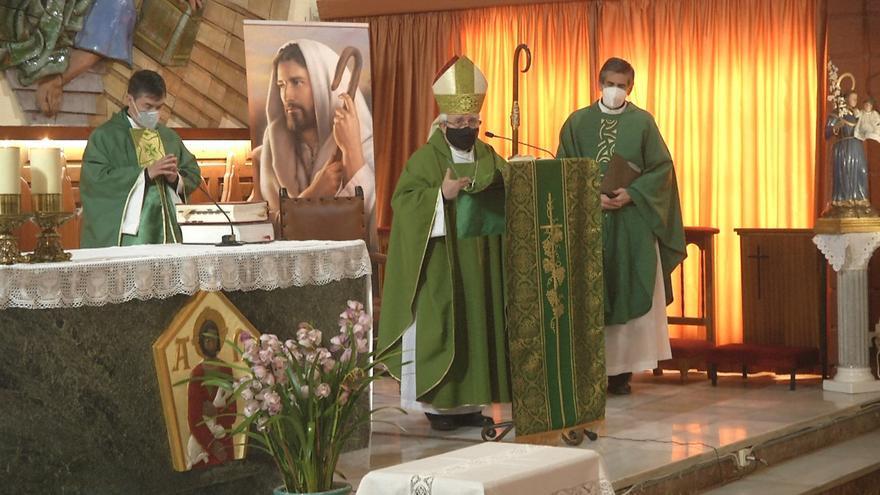 El obispo regresa a Elda para visitar el centenario colegio Santa María del Carmen