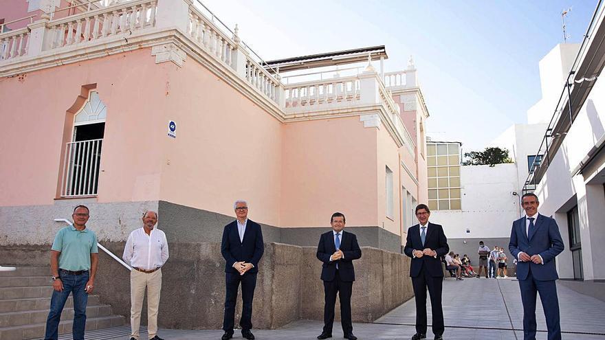 El presidente de CaixaBank visita la sede de Aspronte  en Santa Cruz