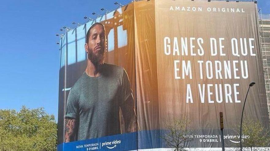Ramos imita a Barcelona la lona de Laporta, però amb un error gramatical
