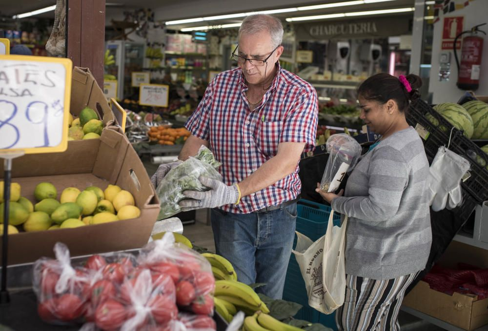 Compras en supermercados y fruterías de la capital