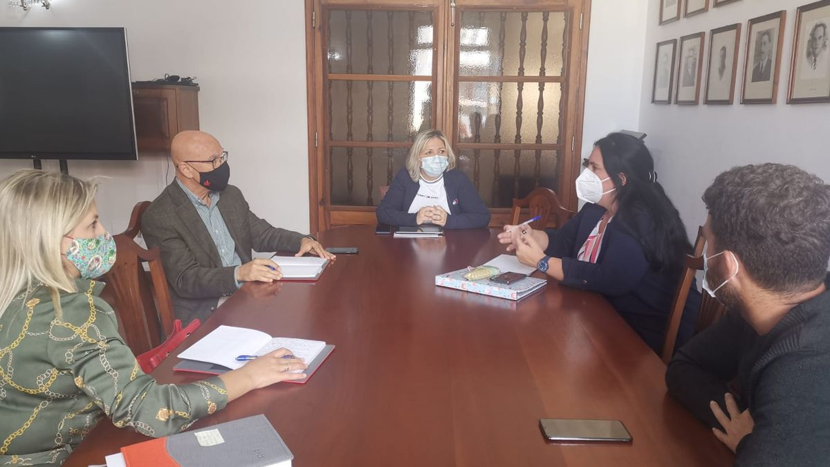 Rafael Yanes se reçune con autoridades de Buenavista y Los Silos
