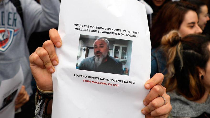 La USC envía a la Fiscalía el expediente abierto al 'profesor de La Manada'
