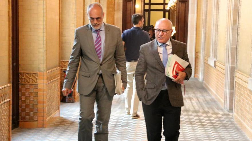 Els lletrats del Parlament tanquen files amb Muro i en destaquen la «independència i professionalitat»