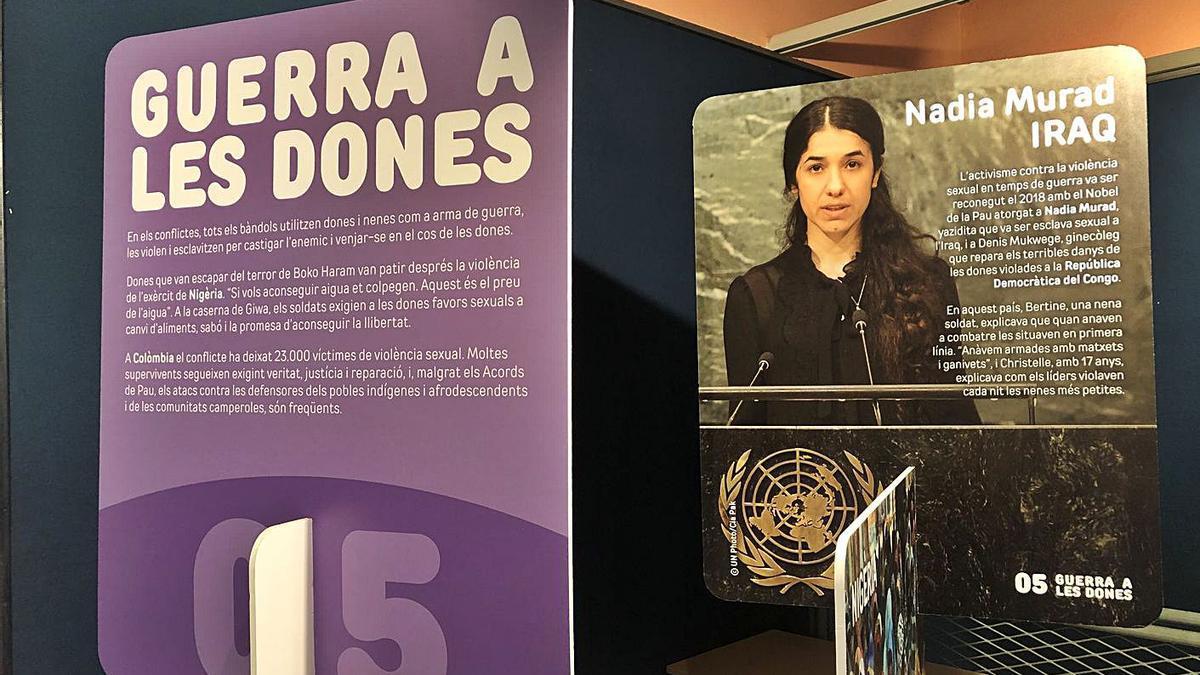 Un dels expositors de l'exposició «Dones Valentes», al centre cívic de Sant Narcís, a Girona. | MAR SUY