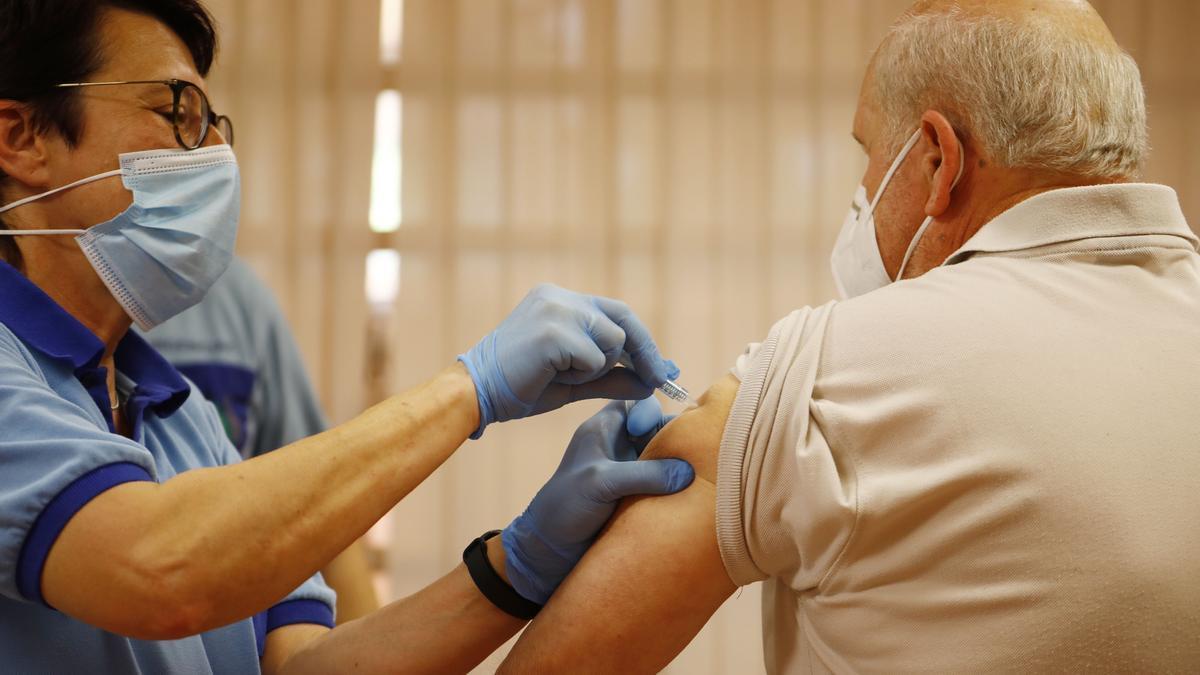 Todos los mayores de 80 años han recibido al menos una dosis de la vacuna.