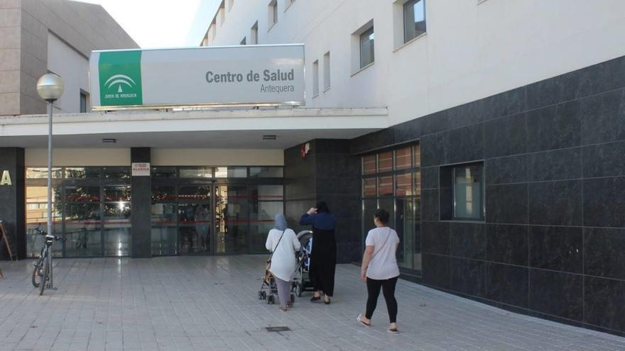 El centro de salud de Antequera crea un circuito para pacientes Covid