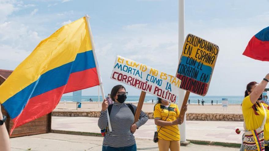 Protesta por Colombia en Cullera