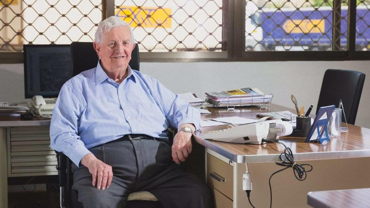 Vicente Juan Rico en su despacho de EXIT.