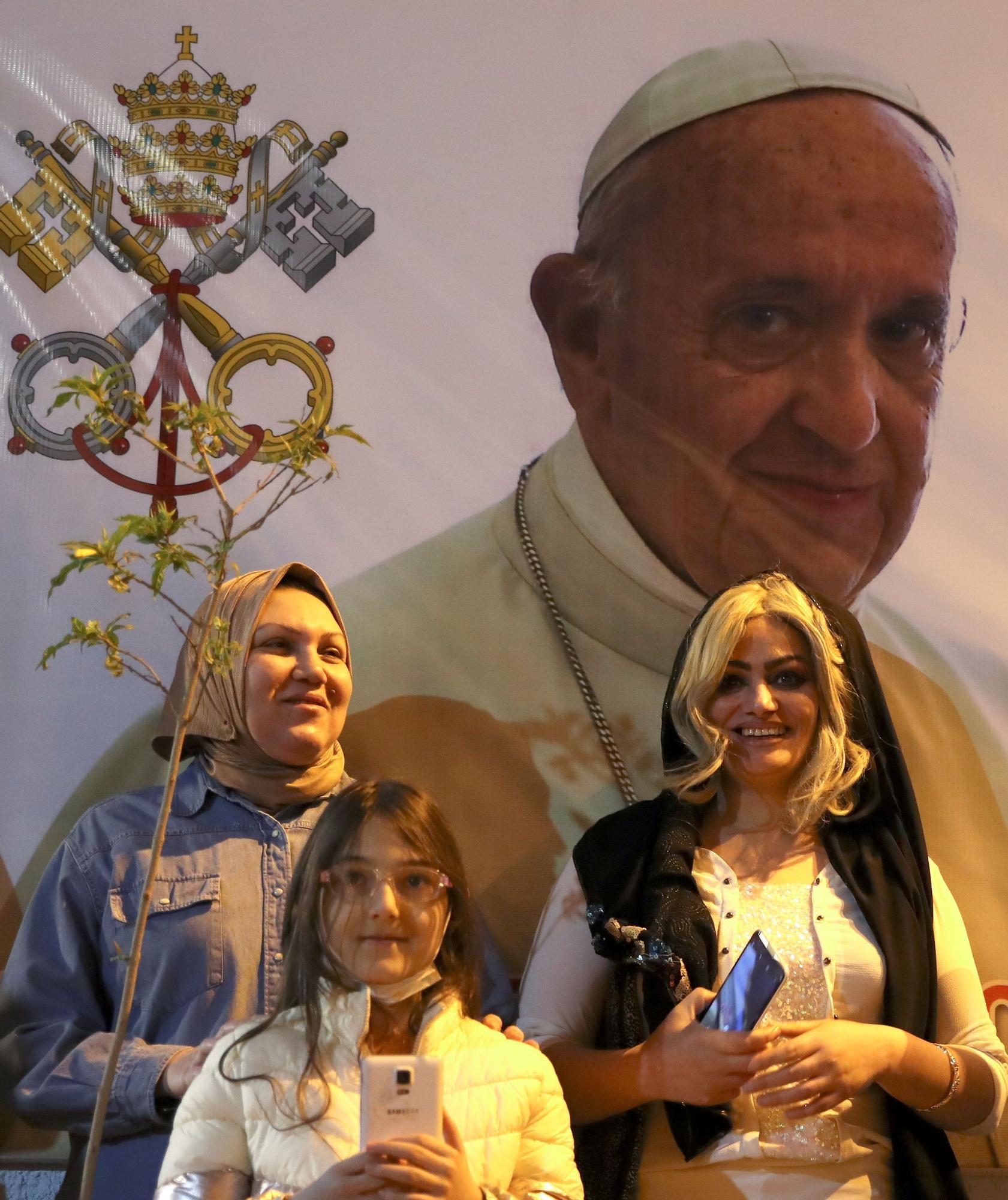 papa-ayatola-6.jpg