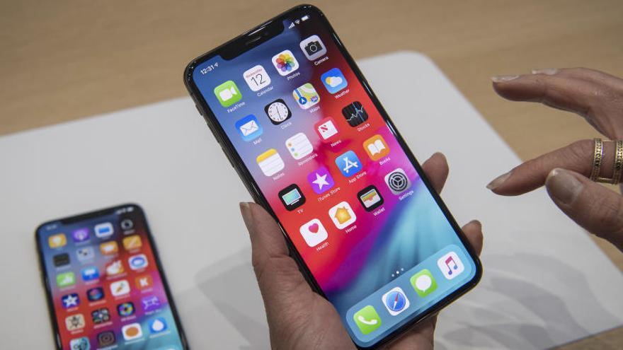 Apple i Samsung, denunciats per la radiació que emeten els seus mòbils