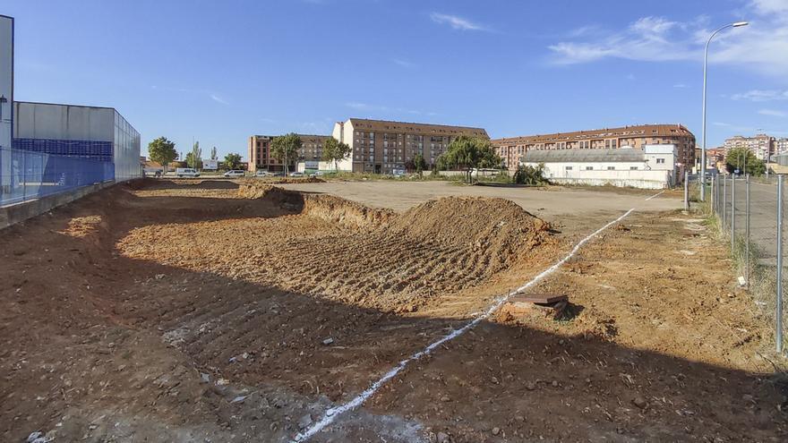 Comienzan las obras para la instalación de una nueva superficie comercial en Benavente