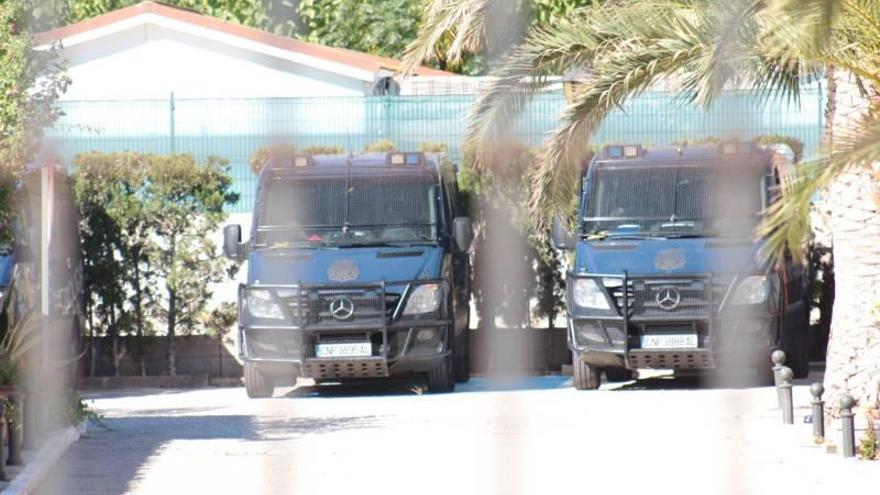 Realojan en hoteles de Peñíscola a los policías desplazados a Cataluña
