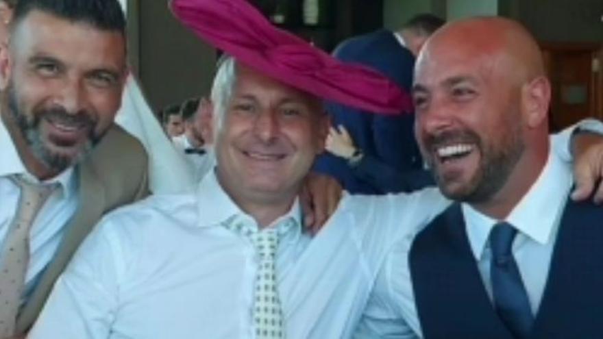 Los futbolistas Pepe Reina y Javier Moreno disfrutan de un boda en Castellón