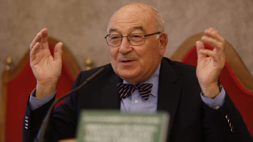 El expresidente socialista Rodríguez-Vigil pide un referéndum sobre la oficialidad