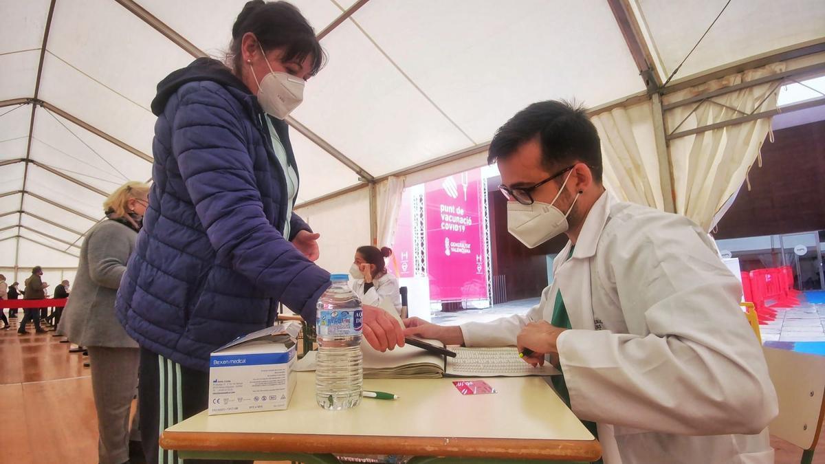 Imagen de la vacunación en el Auditori de Castelló.