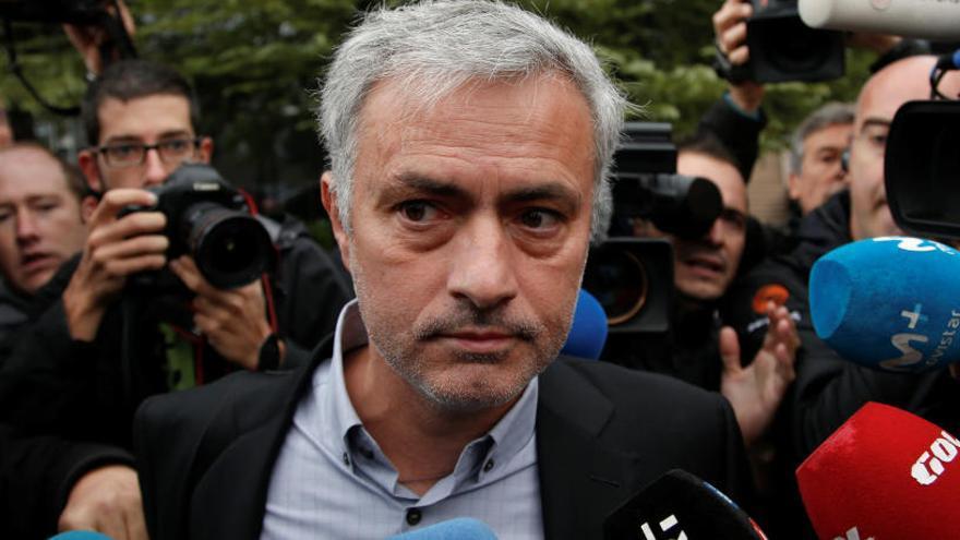 Mourinho diu al jutge que ha pagat el seu deute amb Hisenda