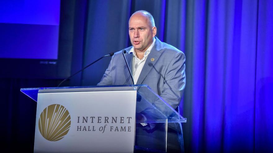 La Facultad de Informática de la UMU premia al padre de eduroam, el servicio gratuito de wi-fi internacional para las comunidades académicas