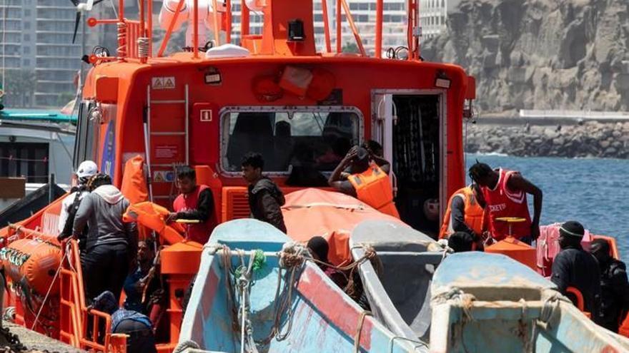 Siete bangladesíes llegan en una patera a Gran Canaria junto a otras 32 personas