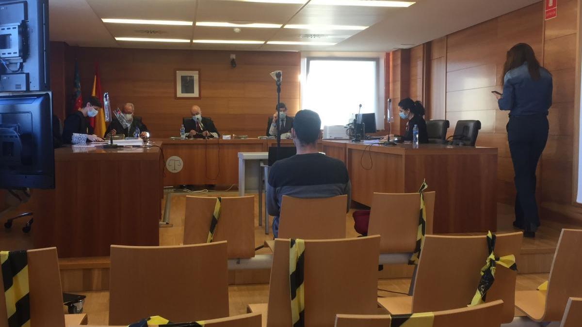 Una niña admite en Castelló que se inventó los presuntos abusos de su padre