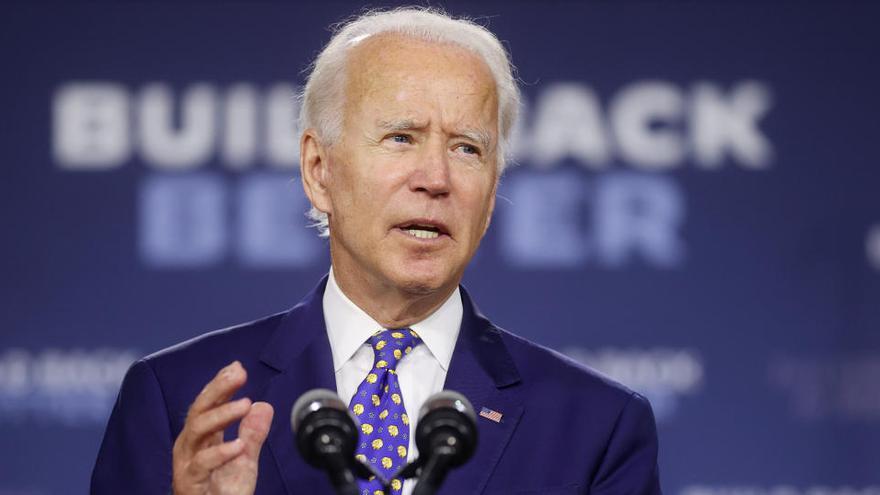 """La Inteligencia de EEUU asegura que Rusia busca """"denigrar"""" a Biden"""