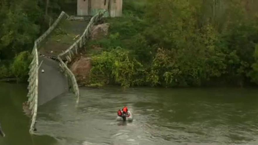 Un menor muerto y varios desaparecidos en Francia al derrumbarse un puente