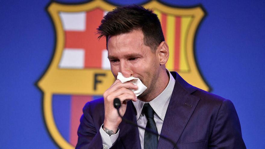 Un millón de dólares por el pañuelo que utilizó Messi en su despedida del FC Barcelona
