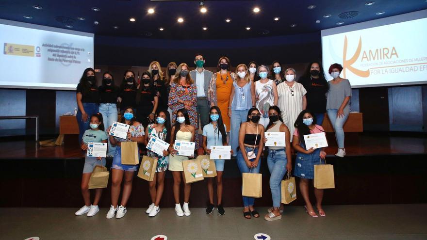 La Federación Kamira reconoce el esfuerzo de los alumnos participantes en el programa 'Cumpliendo Sueños Romaníes'