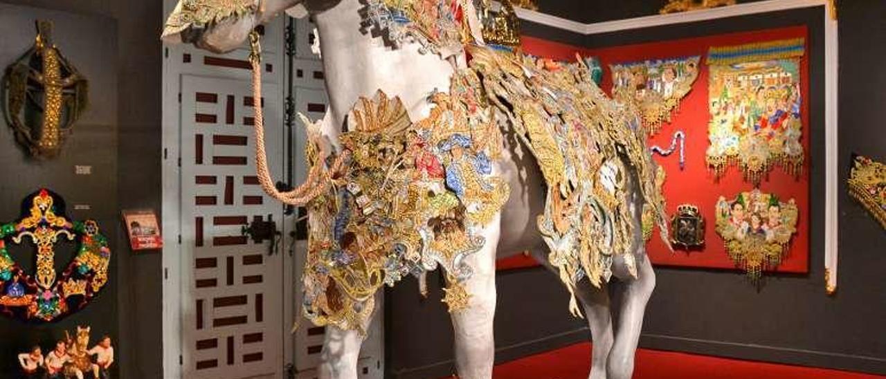 """Bordado ganador del pasado año en la fiesta """"Los caballos del vino"""", en el museo dedicado a este festejo."""