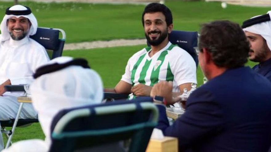 """El deseo de """"éxito"""" desde Baréin a la plantilla del Córdoba CF"""