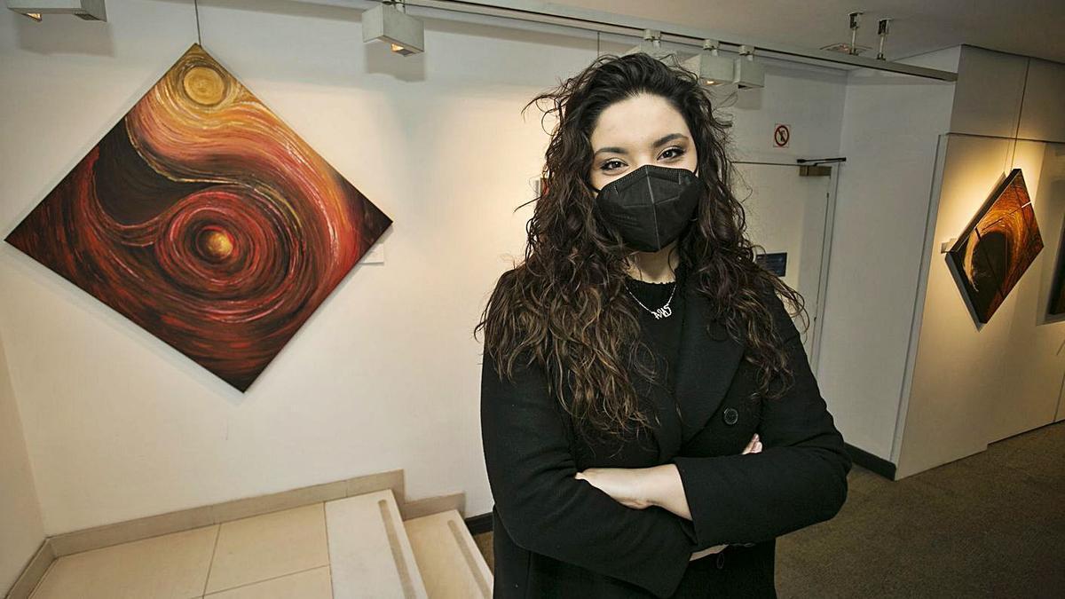 "Sara Canteli expone ""Lumen"" en la sala del BBVA en Oviedo     IRMA COLLÍN"