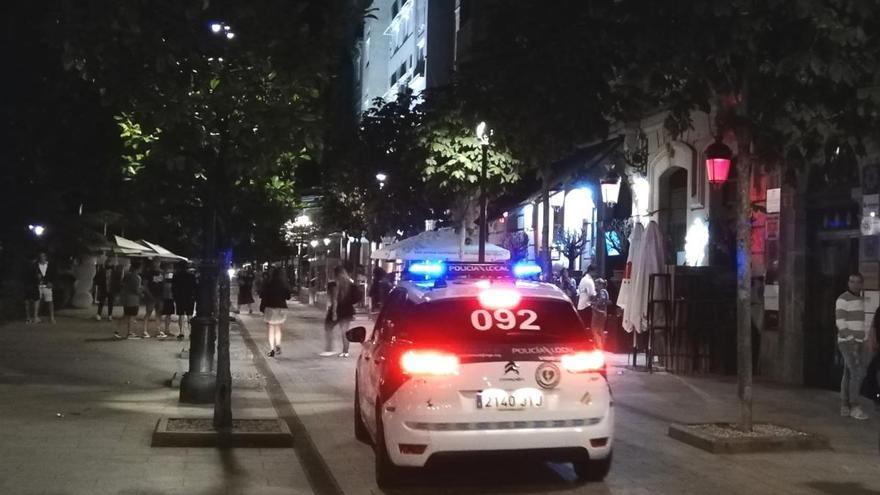 Noche de redadas en Vigo: 255 personas desalojadas de un restaurante, 100 coches de una quedada en Beade y 10 fiestas en pisos