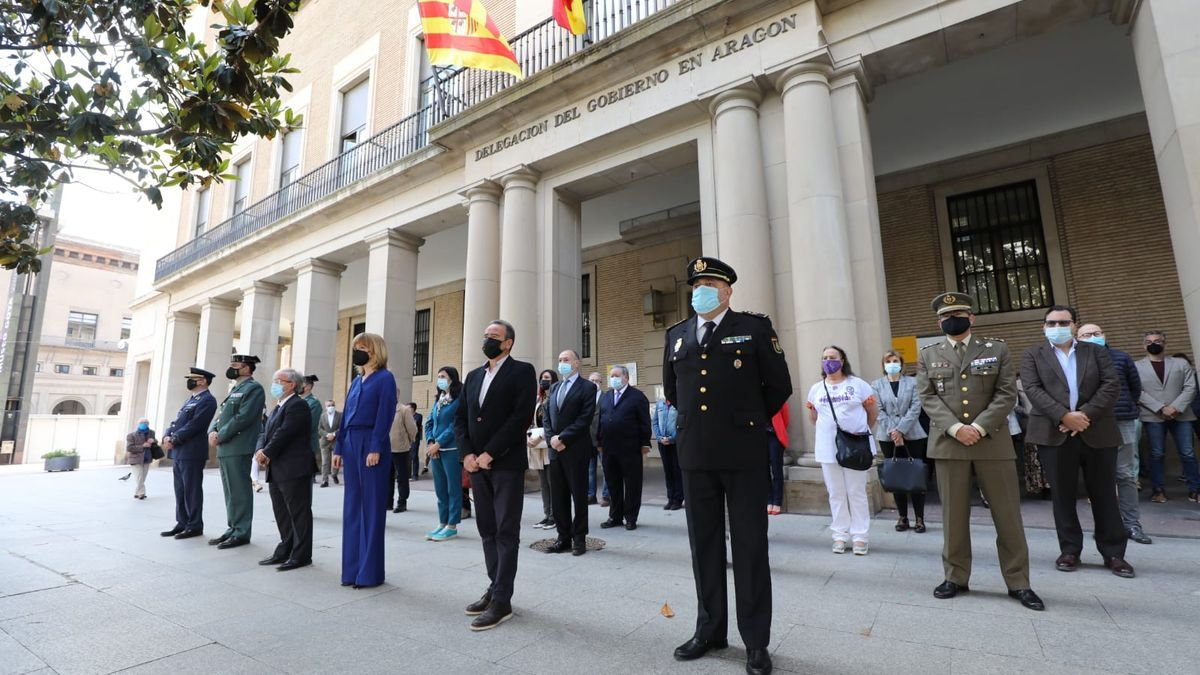 Minuto de silencio por Katia en la Delegación del Gobierno en Aragón.