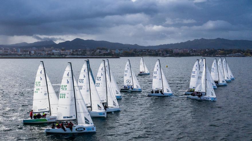 Cántabros, gallegos y canarios dominan en la Vigo Winter Series de J70