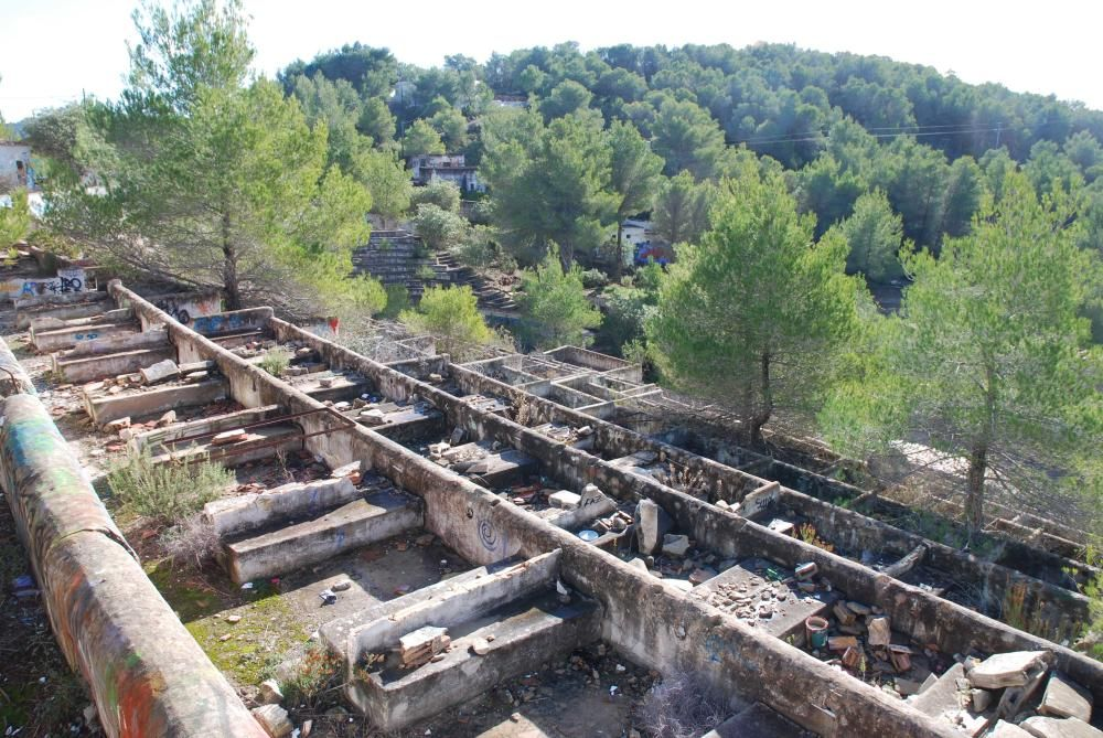 Parte de las ruinas del Festival Club, que se inauguró a finales de los años 60 y que constaba de un restaurante y una sala de baile.