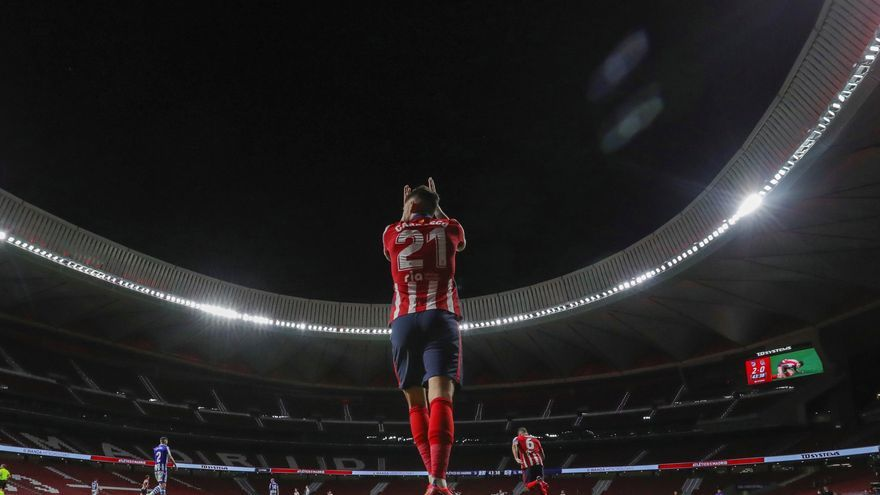 El Atlético supera el test de la Real y acaricia la Liga