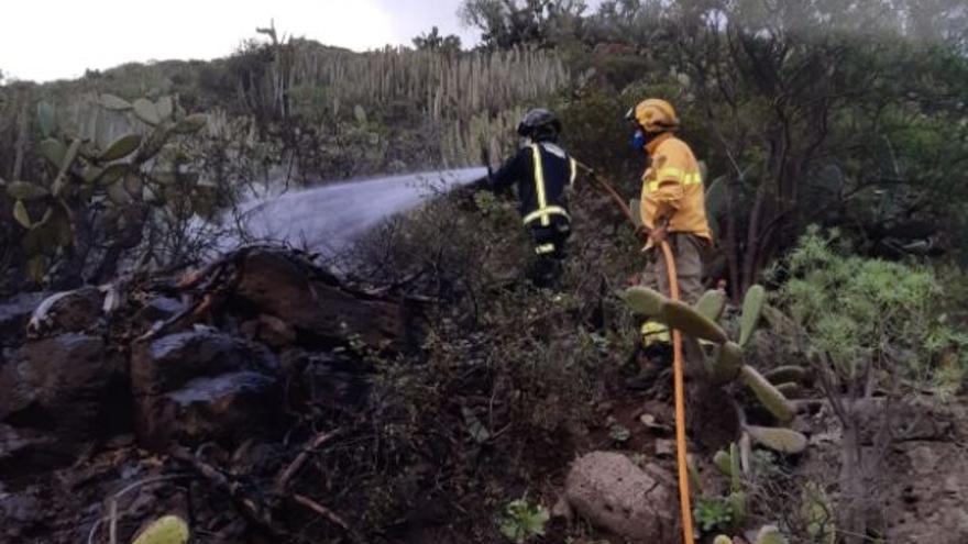 Los bomberos extinguen un conato en Valle Jiménez