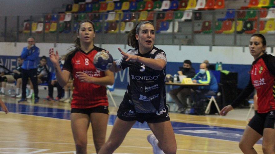 A Canarias a pesar de todo: la dificulta del Oviedo Balonmano Femenino y del Siero de viajar en plena pandemia