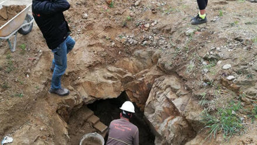 Descobreixen l'estructura del que podria ser un antic refugi de la Guerra Civil a Palamós