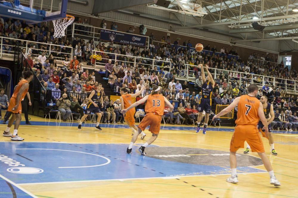 Victoria (83-68) del Liberbank Oviedo al Lleida