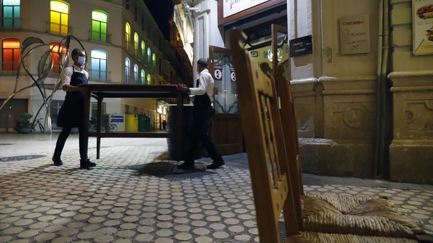Las terrazas se reducirán a la superficie anterior a la pandemia cuando Málaga pase al nivel 0