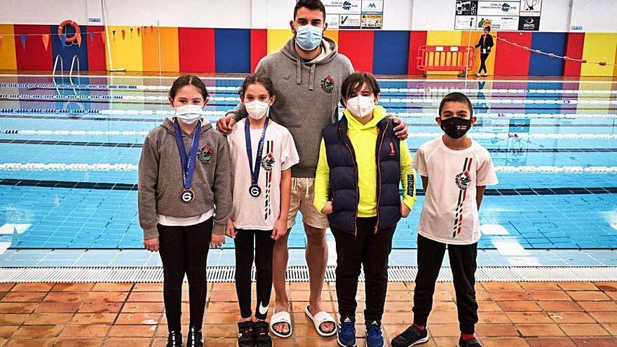 El Salvamento A Estrada se cuelga tres medallas en el Campeonato Gallego